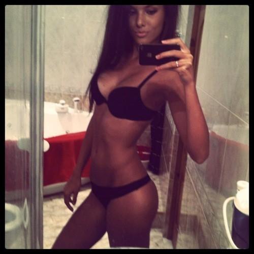 Femme sexy pour sodomie sur le 25